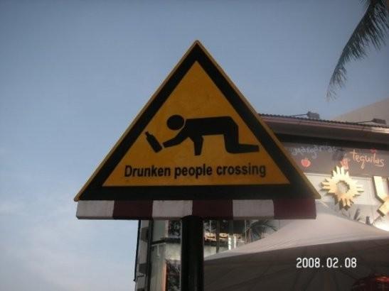 Dünyanın en saçma uyarı levhaları 7