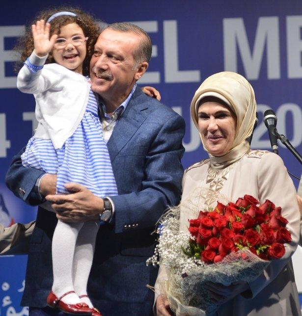 Başbakan Erdoğan'dan eşine evlilik sürprizi 3