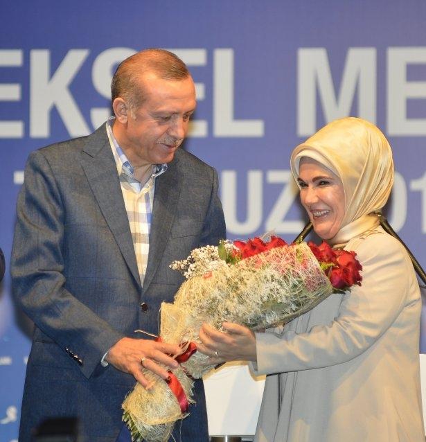 Başbakan Erdoğan'dan eşine evlilik sürprizi 6