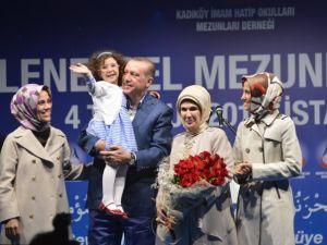 Başbakan Erdoğan'dan eşine evlilik sürprizi