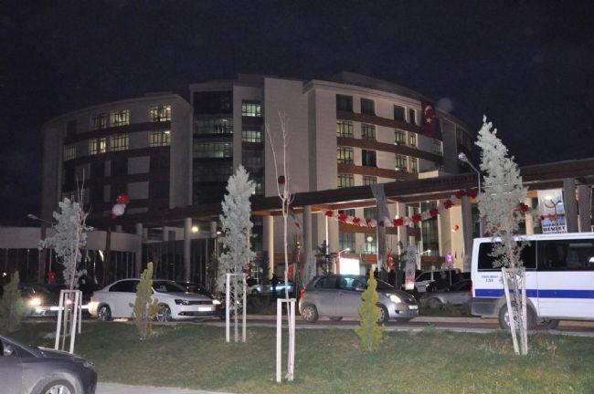 Bakan Elvan Asansörde Mahsur Kaldı! 2