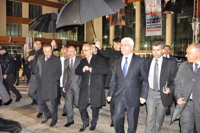 Bakan Elvan Asansörde Mahsur Kaldı! 5