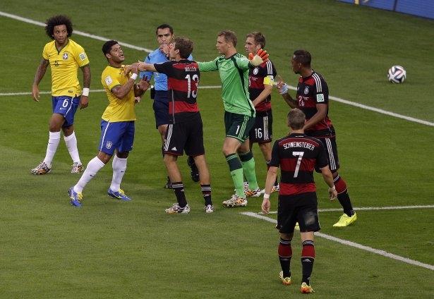 Brezilya'yı fena tiye aldılar 18