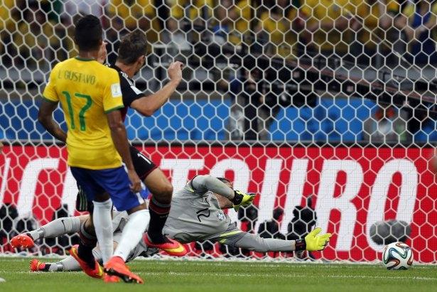 Brezilya'yı fena tiye aldılar 36