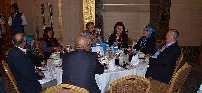 Vali Muammer Erol'dan Konya'ya iftar 3