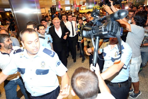 Diego Ribas İstanbul'da 22