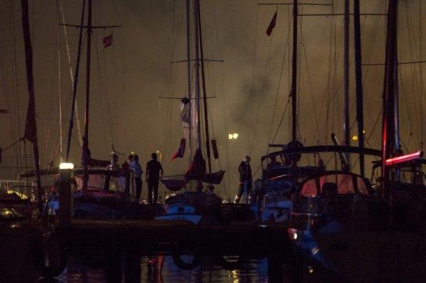 Kadıköy'de tekne yangını 1