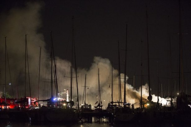 Kadıköy'de tekne yangını 5