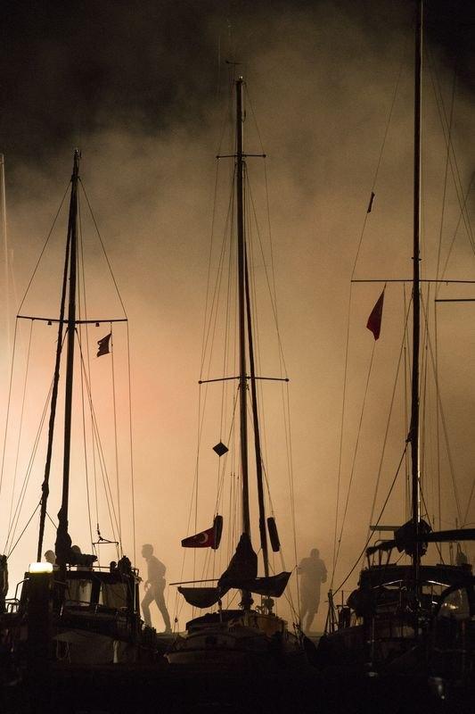 Kadıköy'de tekne yangını 8