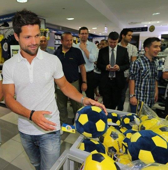 Diego, Saraçoğlu Stadı'nı gezdi 12