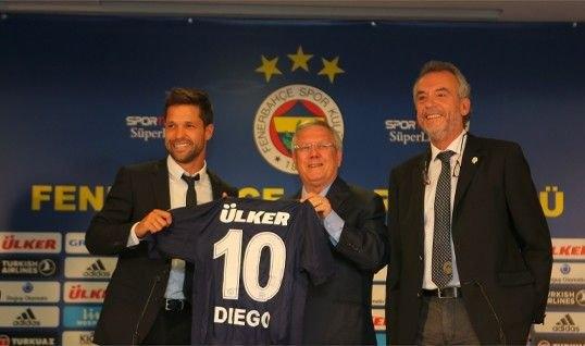 Diego imzayı attı, formayı giydi 5