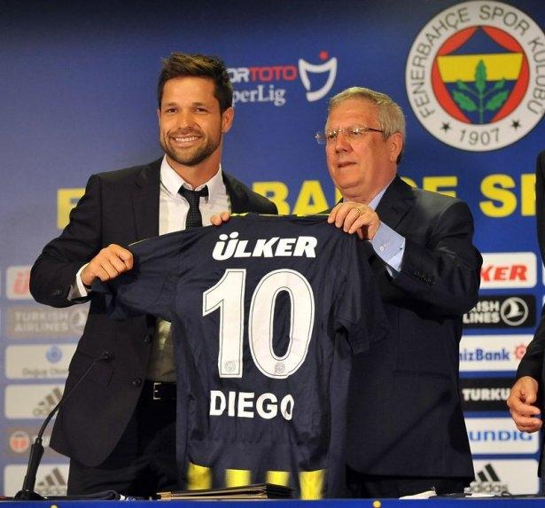 Diego imzayı attı, formayı giydi 8