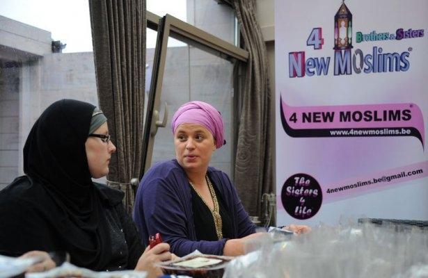 Belçikalı genç bin kişiyi müslüman yaptı 10