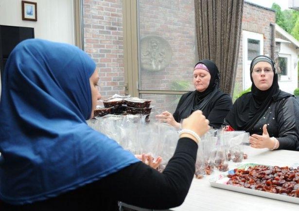 Belçikalı genç bin kişiyi müslüman yaptı 5