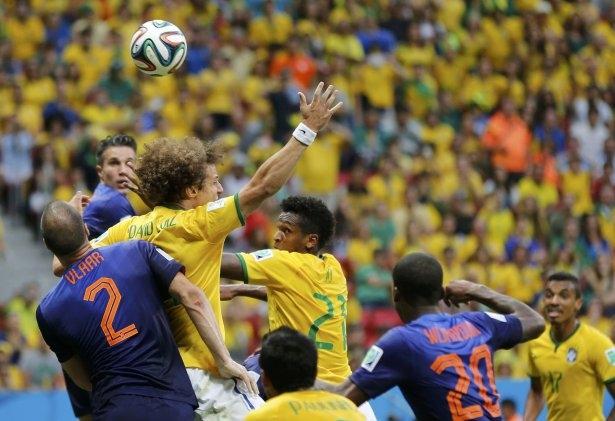 Brezilya-Hollanda maçı 17