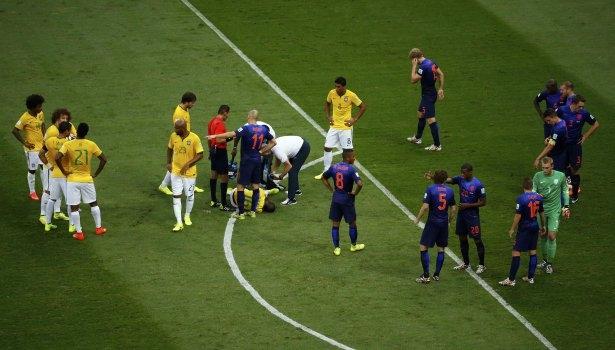Brezilya-Hollanda maçı 23