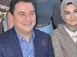 Babacan, ailesiyle kardeşlik iftarına katıldı