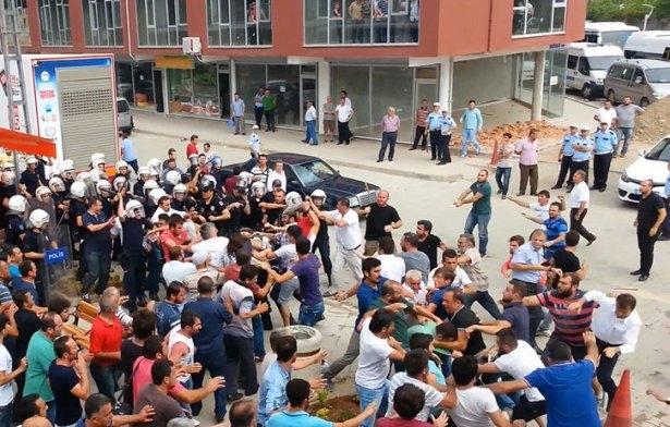 İHH'nın iftar TIR'ına Hopa'da çirkin saldırı 12