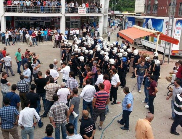 İHH'nın iftar TIR'ına Hopa'da çirkin saldırı 16