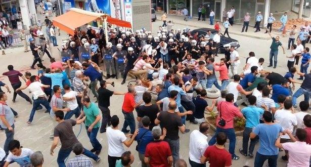 İHH'nın iftar TIR'ına Hopa'da çirkin saldırı 17