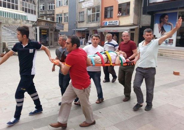 İHH'nın iftar TIR'ına Hopa'da çirkin saldırı 2
