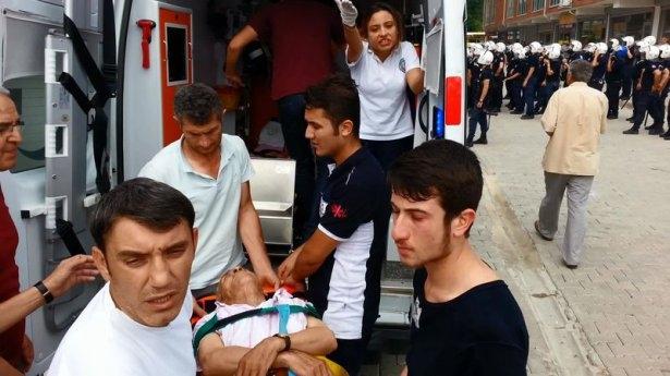 İHH'nın iftar TIR'ına Hopa'da çirkin saldırı 22