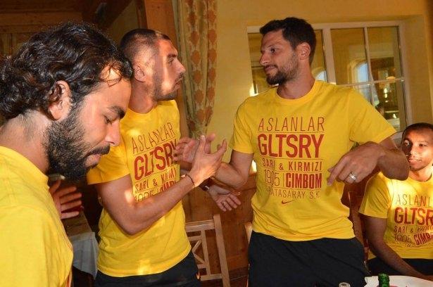 Galatasaray'da sürpriz doğum günü 4