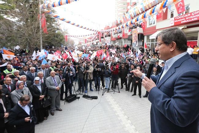 Dışişleri Bakanı Davutoğlu Konya'da 15