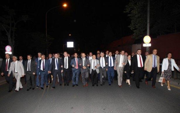 Milletvekilleri İsrail Büyükelçiliğine yürüdü 1