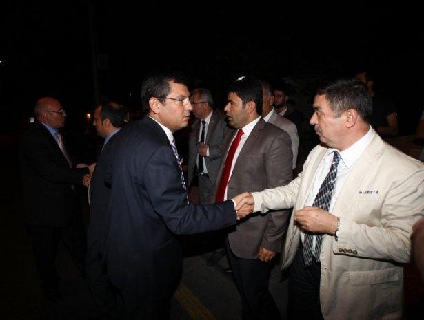 Milletvekilleri İsrail Büyükelçiliğine yürüdü 2