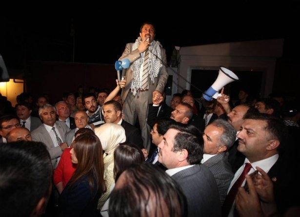 Milletvekilleri İsrail Büyükelçiliğine yürüdü 4