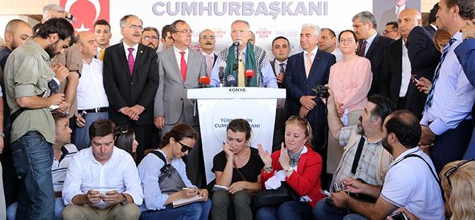 Ekmeleddin İhsanoğlu Konya'ya geldi 25
