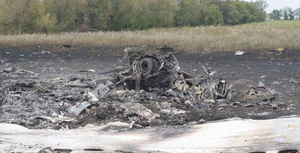 Ukrayna'da düşen yolcu uçağından görüntüler 1