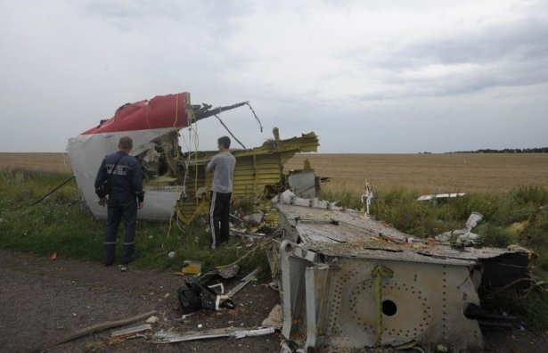 Ukrayna'da düşen yolcu uçağından görüntüler 11