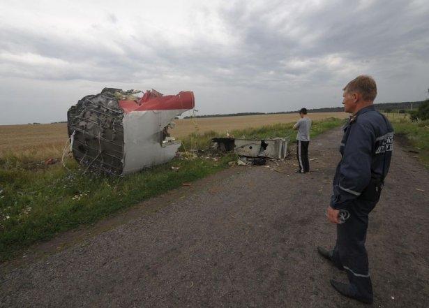 Ukrayna'da düşen yolcu uçağından görüntüler 13