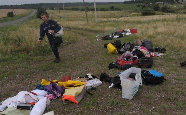 Ukrayna'da düşen yolcu uçağından görüntüler 15