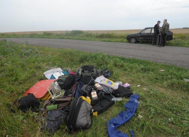 Ukrayna'da düşen yolcu uçağından görüntüler 16