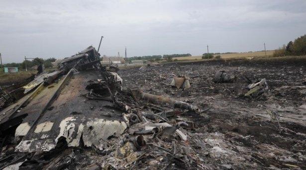 Ukrayna'da düşen yolcu uçağından görüntüler 22