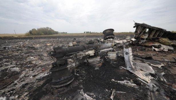 Ukrayna'da düşen yolcu uçağından görüntüler 3