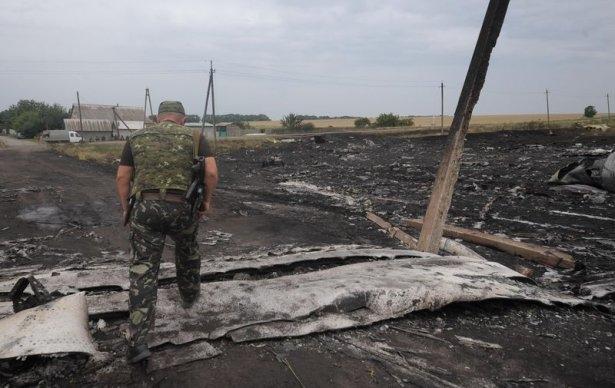 Ukrayna'da düşen yolcu uçağından görüntüler 4