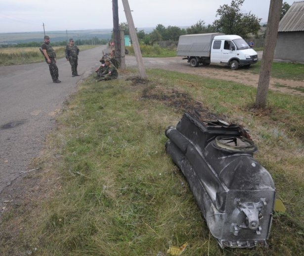 Ukrayna'da düşen yolcu uçağından görüntüler 6