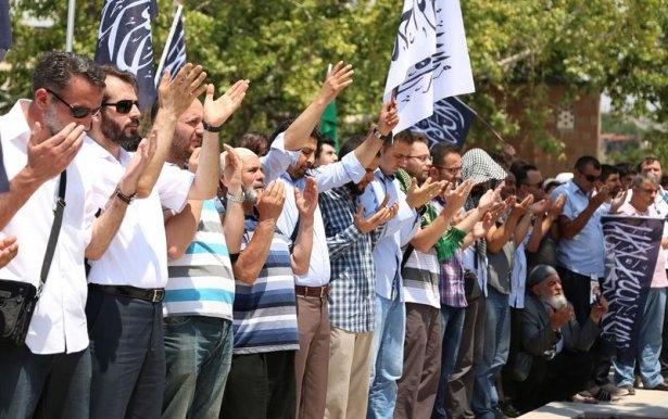 Yüzbinler Gazze için sokaklara döküldü 14