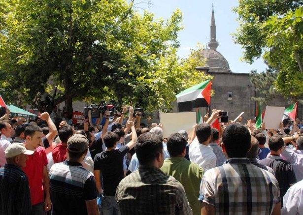Yüzbinler Gazze için sokaklara döküldü 25