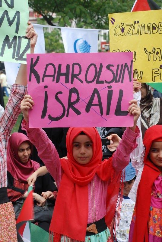 Yüzbinler Gazze için sokaklara döküldü 34