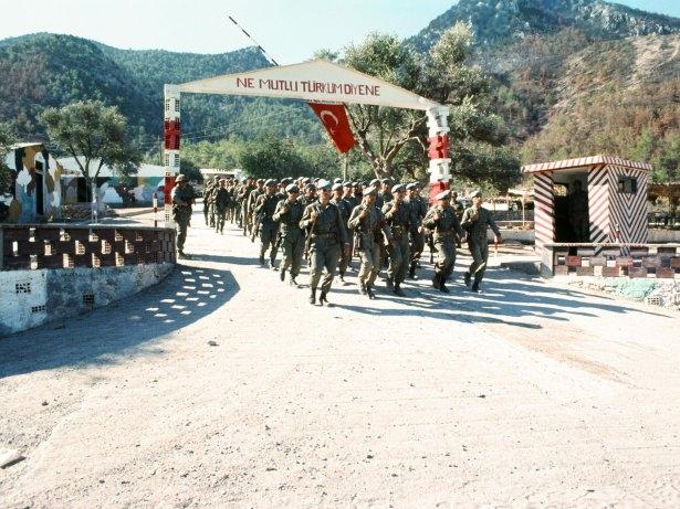 Kıbrıs Barış Harekatı 40. yılında 142