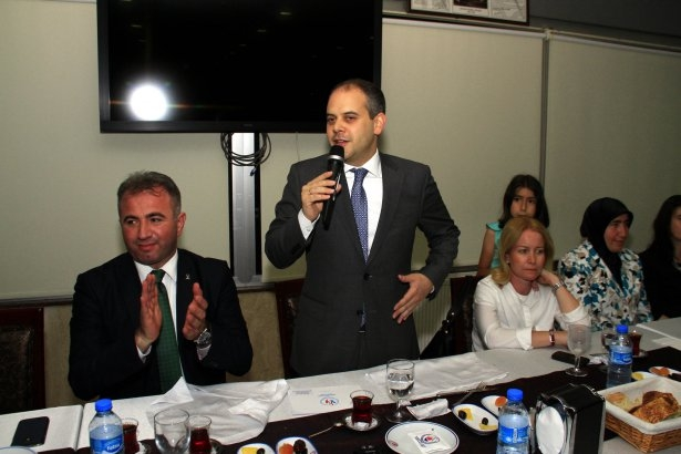 AK Parti iftarına ünlü akını 23