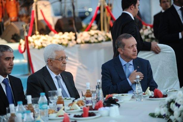 AK Parti iftarına ünlü akını 32