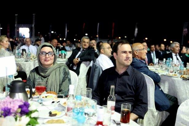 AK Parti iftarına ünlü akını 39