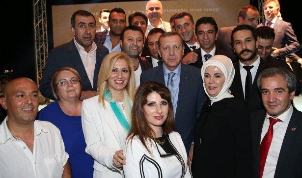 AK Parti iftarına ünlü akını 49