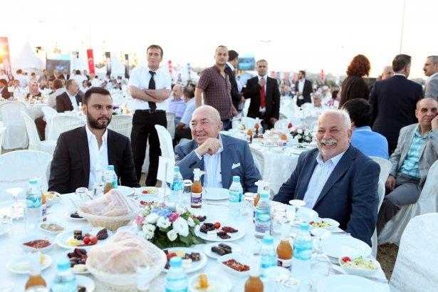 AK Parti iftarına ünlü akını 52